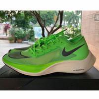 Sepatu sneackers desain nike zoom vapor fly warna hijau neon