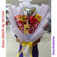 Buket bucket bouquet snack makanan coklat hadiah kado wisuda ulangtahu
