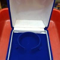 kotak kalung dan gelang cincin
