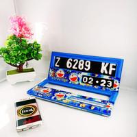 Dudukan, Cover Plat Nomor Motor Variasi Setengah Gambar Plat K2D