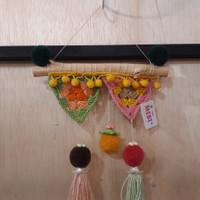 Hiasan Dinding Rajut