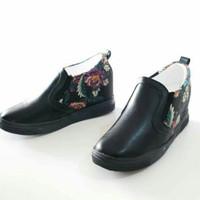 sepatu wedges dalam wanita batik 183