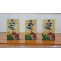 Susu Ultra Milk 125ml - Kartonan / 40 Pcs ( Bogor ) - Strawberi