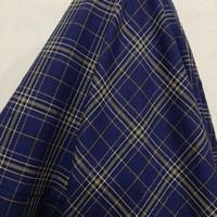 Kain Kotak Semi Wool ( Biru Navy Garis Cream )