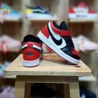 Sepatu anak casual NIKE AIR JORDAN LOW / Chicago / black white red /