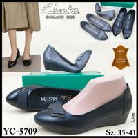 Sepatu Clarks YC-5709 Low Wedge 3,5cm* Ready 2 Warna