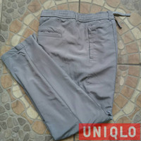 Celana training parasut Uniqlo tali second