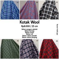 Kain Kotak Semi Wool Poly Cotton