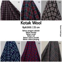 Kain Kotak Wool