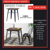 Meja Cafe atau Makan, Carol