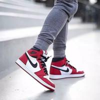 "Sepatu Nike Air Jordan 1 Retro High OG Chicago"""