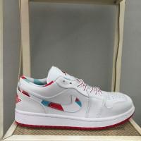 Sepatu Sneakers Cowok Nike Air Jordan 1 Low Topaz Mist