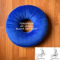 Bantal Duduk Alas Bulat Donat Kesehatan Tulang Ekor Pegal Hitam - Royal Blue