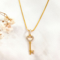 Kalung Wanita Liontin kunci Permata Necklace key Zirkon Gold Emas asli