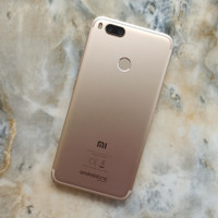 Xiaomi Mi A1 ram 4 internal 64 gb seken