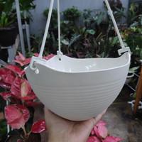 Pot bunga gantung Polin PK 01 Putih Ivory / broken white