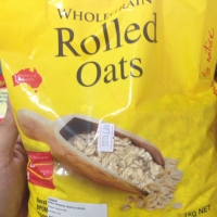 Lowan whole grain rolled oat / rolled oats / cereal / singapore