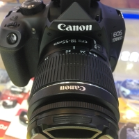 Canon eos 1300D kit 18-55 is II