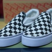 Sepatu Sneakers Vans Slip On Checkerboard Black White murah Casual