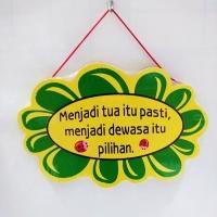 Hiasan Dinding Kayu Bentuk Bunga