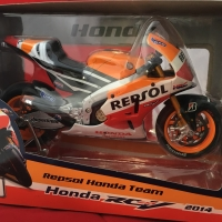 Maisto 1/10 Diecast Motorcycles Honda Repsol RCV 2014