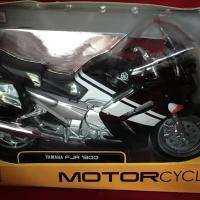 Maisto 1/12 Diecast Motorcycles Yamaha FJR 1300
