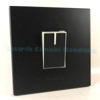 PANASONIC STYLE BLACK Saklar Tunggal / Engkel Mata Kecil + Frame