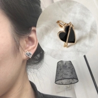 Ear clip love arrow