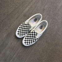 VANS SLIP ON OG CLASSIC CHECKERBOARD VAULT NOT ANAHEIM (SEPATU VANS).