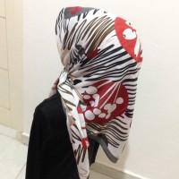 Jilbab Umama - Segiempat - Motif