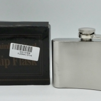 Hip Flask 4 Oz Stainless Steel Portable Wine Whisky Bottle Drinkware