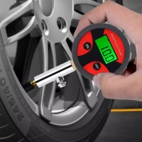 0~200PSI Digital Tire Pressure Gauge with Tyre Valve and Caps for Easy