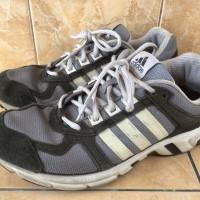 Sepatu running adidas not nike puma vans converse new balance reebok