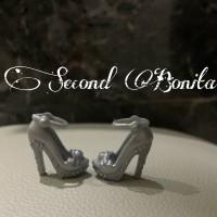 Sepatu high heels boneka barbie