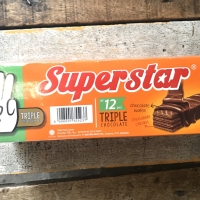 Wafer Superstar Triple Chocolate isi 12 pcs