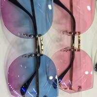 Kacamata fashion sunglas gaya wanita terbaru