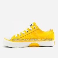 Sepatu Warrior Classic Low Kuning Original product