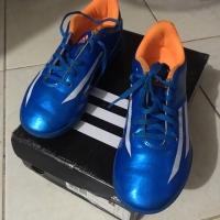 Adidas F5 sepatu futsal anak