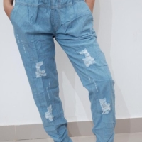 Celana jeans wanita baggy pinggang karet warna biru muda