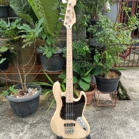 Fender jazz bass made Indonesia
