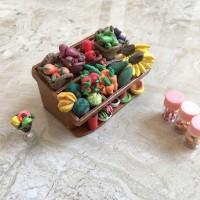 Miniatur clay es dan buah display