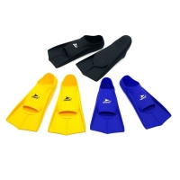 Sepatu atau kaki katak ataupun yang biasanya disebut fins yang terbuat