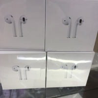 APPLE AIRPODS 2 with charging case ORIGINAL 100%