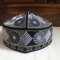 peci kopiah pakistan bordir aneka motif warna dan ukuran