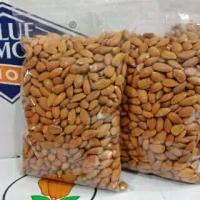 kacang almond panggang kupas utuh/Roasted whole almond 500 GR_1/2kg