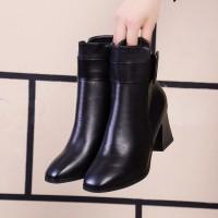Black Boots Heels Wanita Ankle Boots Hitam size 37 belted belts sepatu