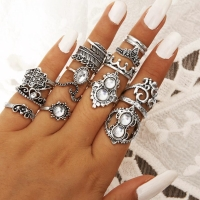 Cincin set bohemia shiny stone triple crown | CSBH046