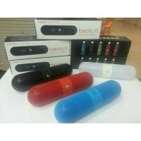 Speaker Bluetooth Beats Pill by Dr Dre.