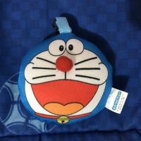 Doraemon gantungan kunci gramedia - collectible emoji plush