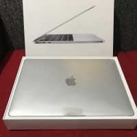 MacBook Pro 2018 Touch Bar i5 2.3GHz 8G 256GB MR9Q2 MR9U2 GARANSI 2020